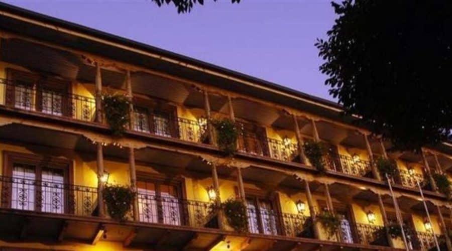 Resort Review: Hotel Santa Cruz
