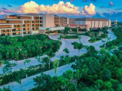Estudio Playa Mujeres aerial view